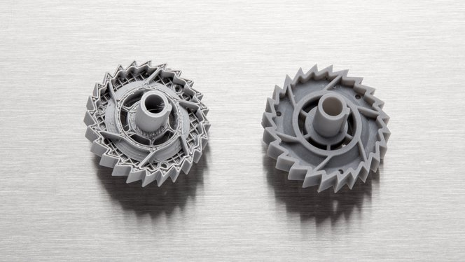 FDM 3D printer part (left), compared to SLA 3D printer part (right).