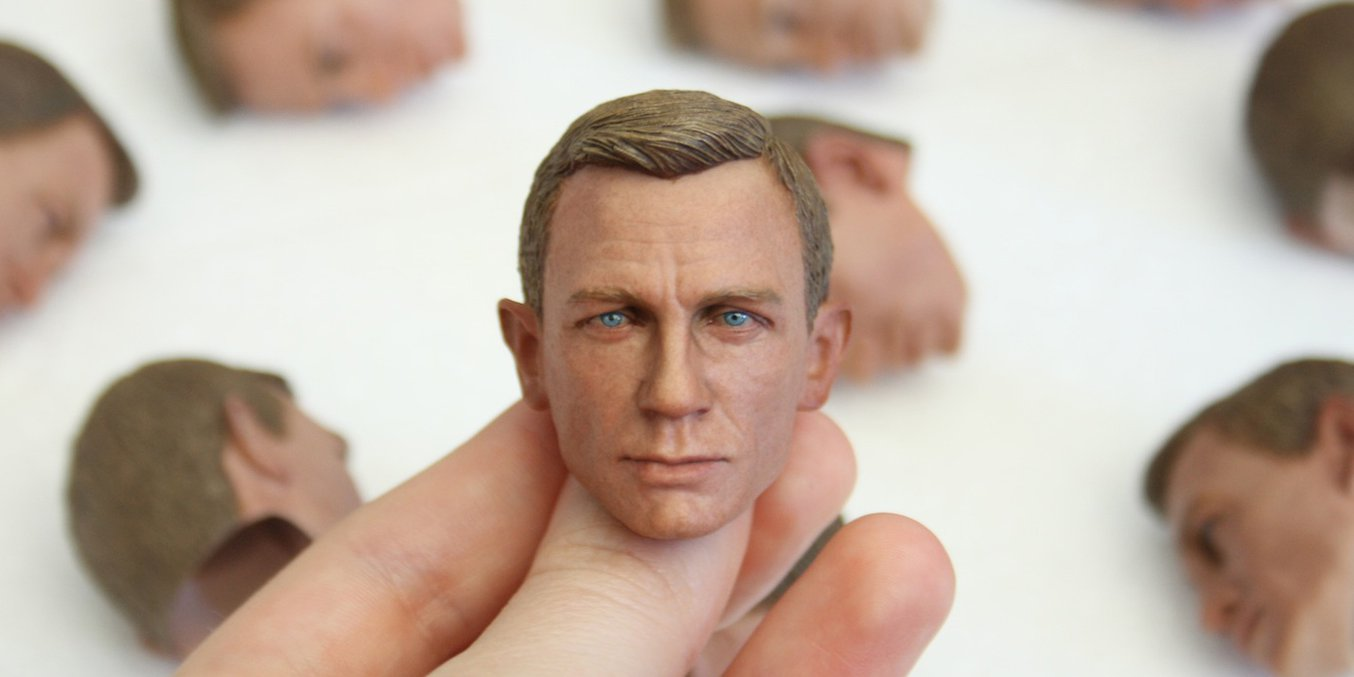 The artists from Modern Life Workshop create hyper-realistic sculptures of actor Daniel Craig with ZBrush and 3D printing.