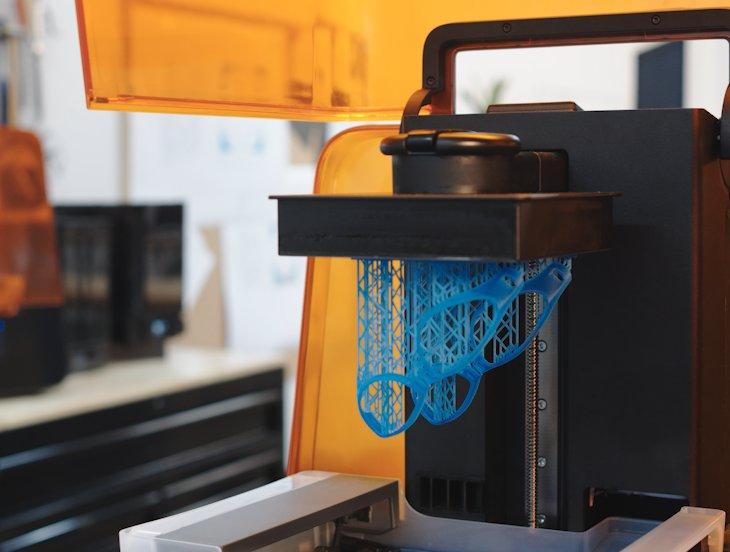 Impresión - Envía impresiones vía wifi, vuelve a imprimir proyectos anteriores y gestiona tu cola de impresión fácilmente con la intuitiva interfaz de la pantalla táctil de la impresora.