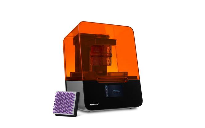 Hochauflösende Desktop 3D-Drucker wie der Formlabs Form 3 haben den 3D-Druck von Schmuck für unabhängige Designer und Großgießereien gleichermaßen erschlossen.