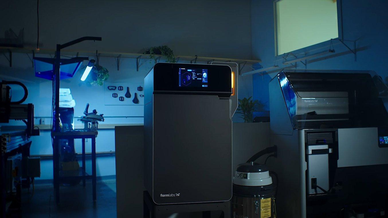 Fuse 1 SLS 3D printer