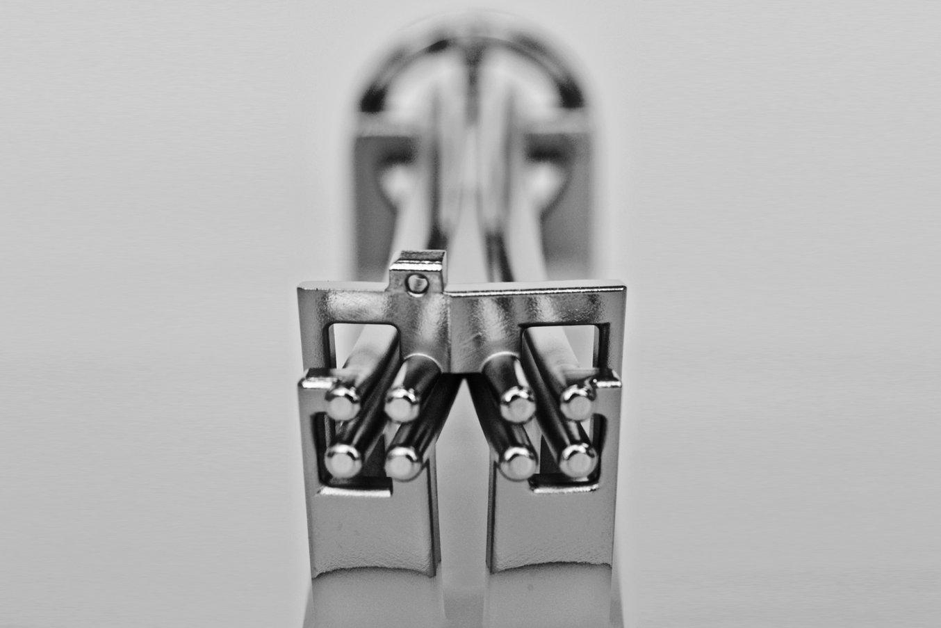 Andreas Osterwalder hat diesen Strahlteiler mittels 3D-Druck und Galvanisierung hergestellt.