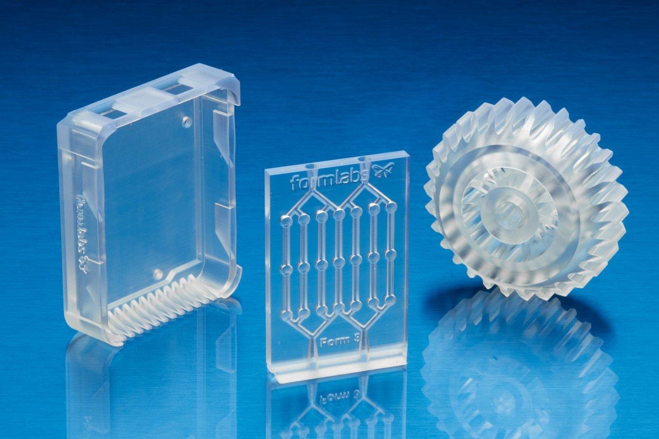 Con la impresora 3D SLA Form 3 puedes crear piezas impresas en 3D translúcidas y completamente transparentes de forma asequible y con un proceso mínimo de posacabado.