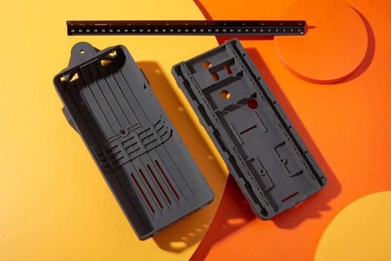 Estuches diseñados por Pathfinder Systems e imprimidos con el Nylon 12 Powder en la Fuse 1.