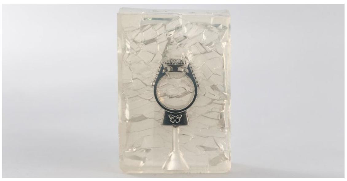 Moule en silicone vulcanisé à température ambiante (RTV) formé autour d'un master imprimé en 3D.