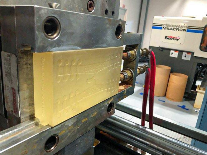 3D-gedruckte Spritzgussformen können sowohl bei industriellen Spritzgießmaschinen, als auch bei kleineren Desktop-Maschinen eingesetzt werden.