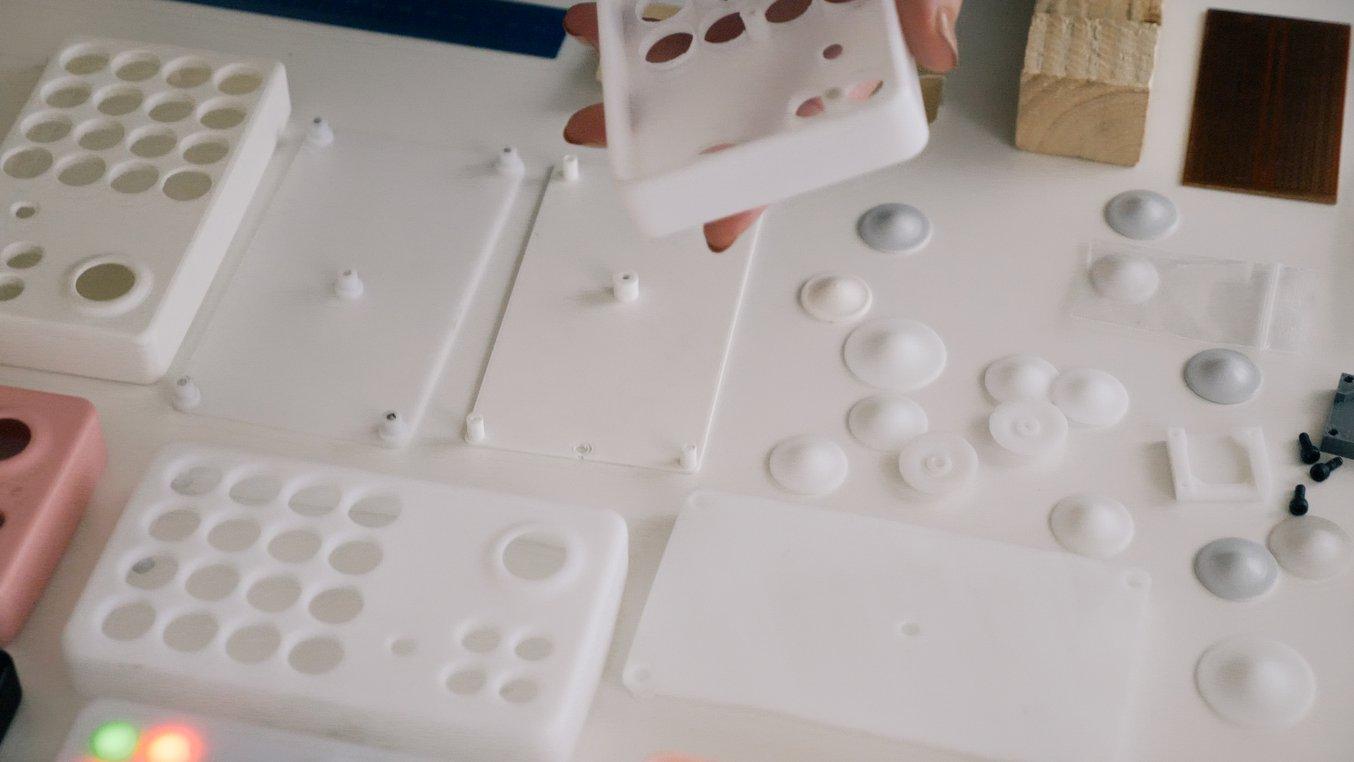 L'un des matériaux préférés de l'équipe était Rigid Resin, en raison de sa qualité «laiteuse» et sa finition de surface lisse