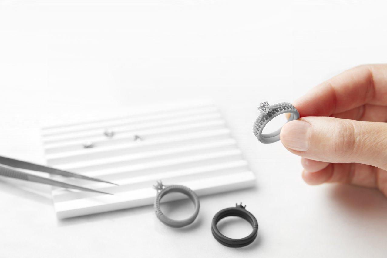 Las joyas de prueba impresas en 3D acortan drásticamente el intercambio de opiniones y sugerencias entre diseñadores y clientes.