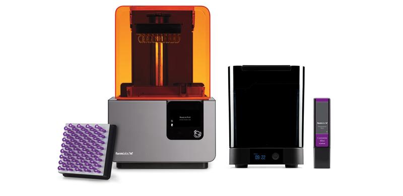 I materiali specializzati e le stampanti 3D in-house a prezzi accessibili stanno cambiando il modo di lavorare dei fabbricanti e designer di gioielleria, portando la qualità di livello industriale sulla scrivania e facilitando la produzione e l'adattamento