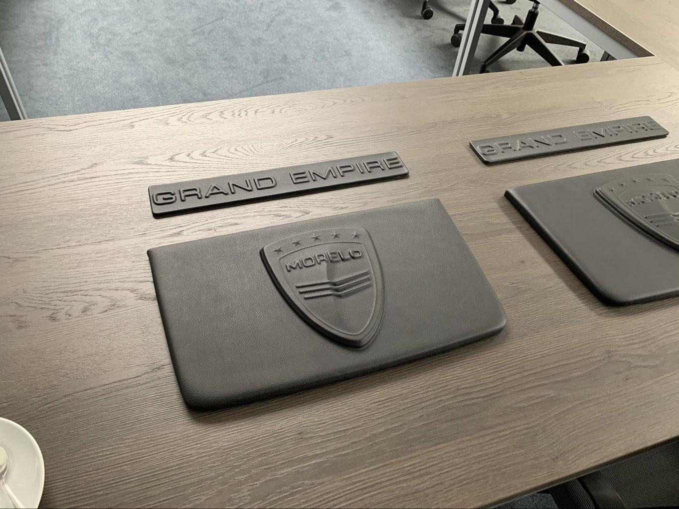 Individuelles 3D-Lederteilverfahren für ein von Morelo hergestelltes Luxus-Wohnmobil.