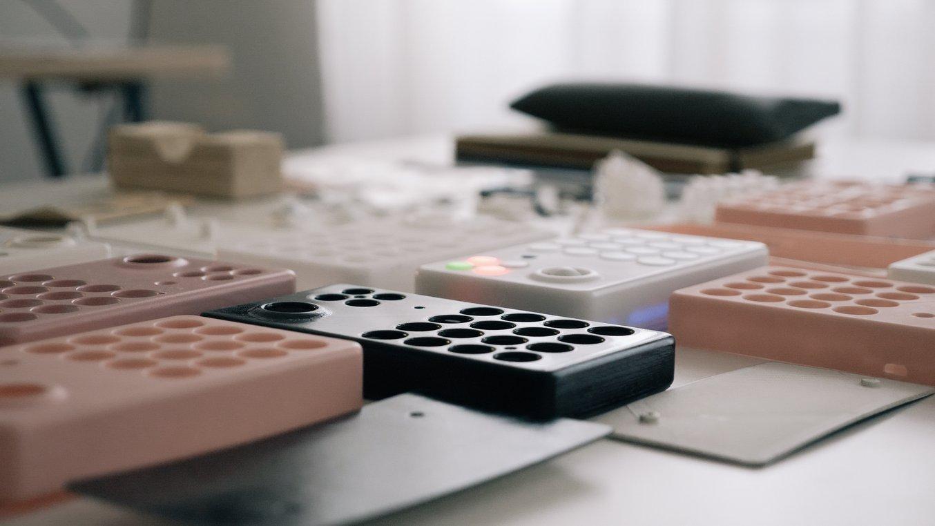 M. Beim et son équipe ont utilisé le Color Kit Formlabs, la première solution intégrée de mélange de couleurs pour la réalisation de prototypes sur des imprimantes 3D SLA, comme celui de couleur pêche.