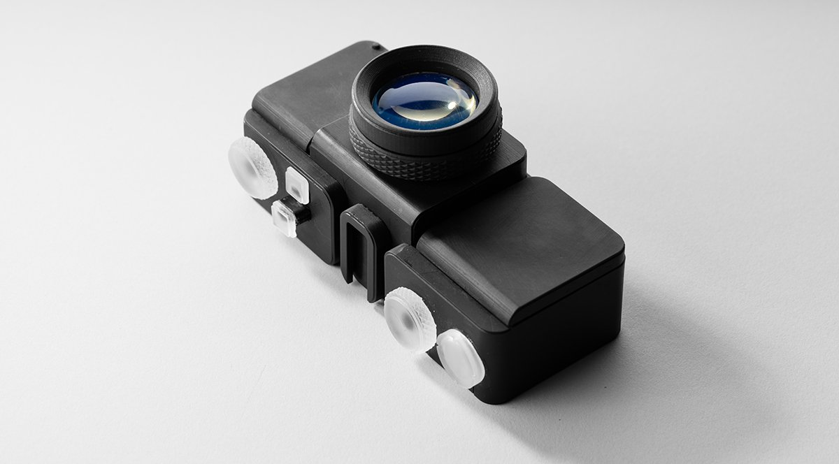 Clear and transparent 3D printing - Formlabs applications engineer Amos Dudley designed and 3D printed a lens for a fully 3D printed camera.