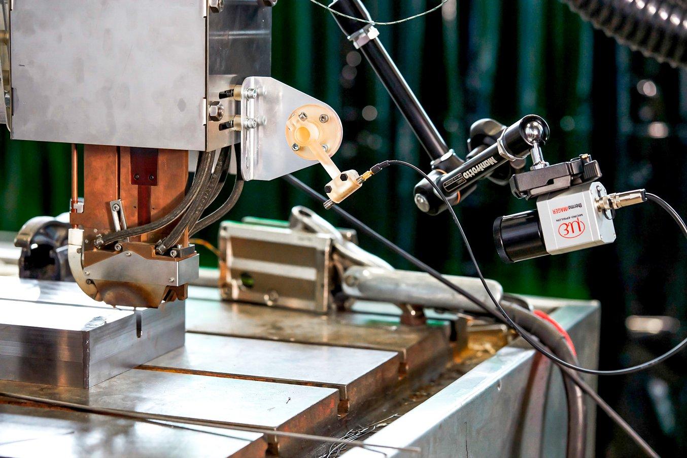Un sistema de montura para un sensor para un proyecto de soldadura del sector nuclear que debía soportar las elevadas temperaturas que se producen cerca de los soldadores.