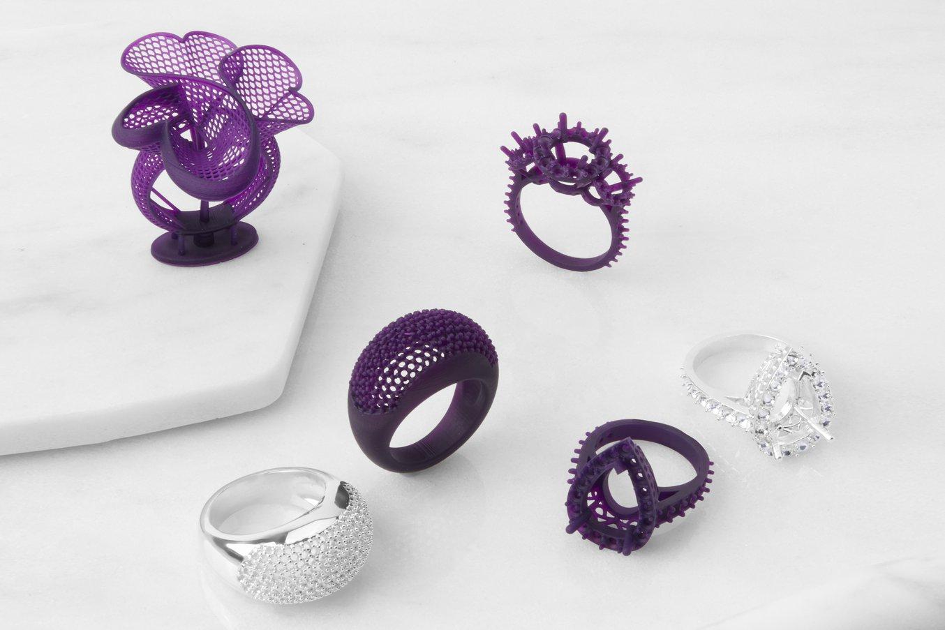 Gioielli realizzati usando un modello stampato in 3D tramite tecnologia di stampa 3D stereolitografica (SLA).