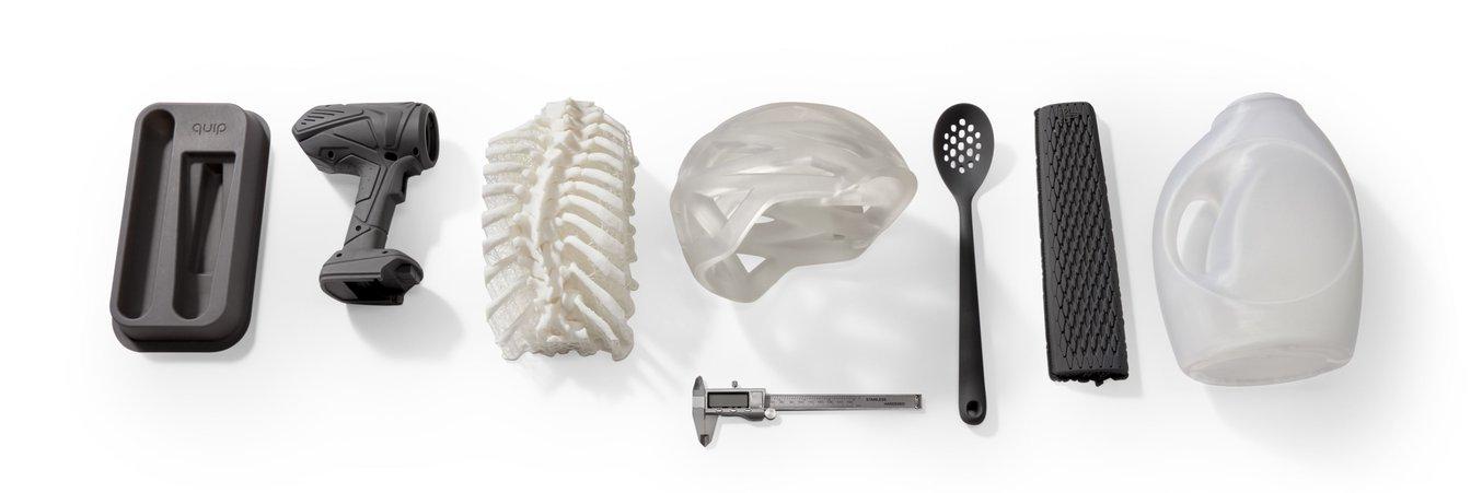 Einige Beispiele für große 3D-Druckteile, die mit dem Form 3L hergestellt wurden.