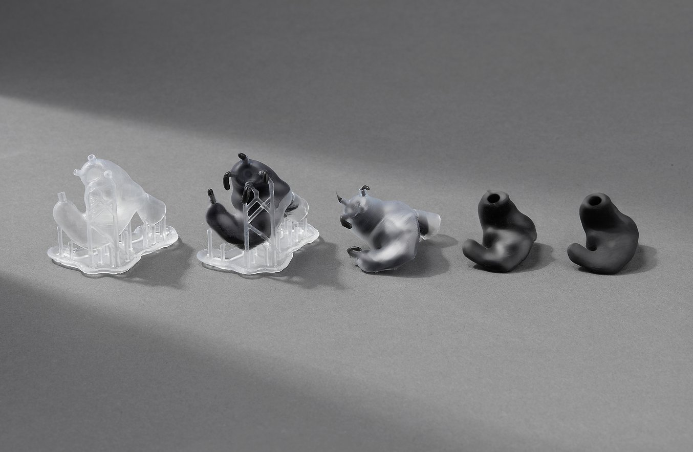 Auf Bestellung angefertigte, kundenindividuelle In-Ear-Kopfhörer können mithilfe von 3D-gedruckten Formen kostengünstig hergestellt werden.
