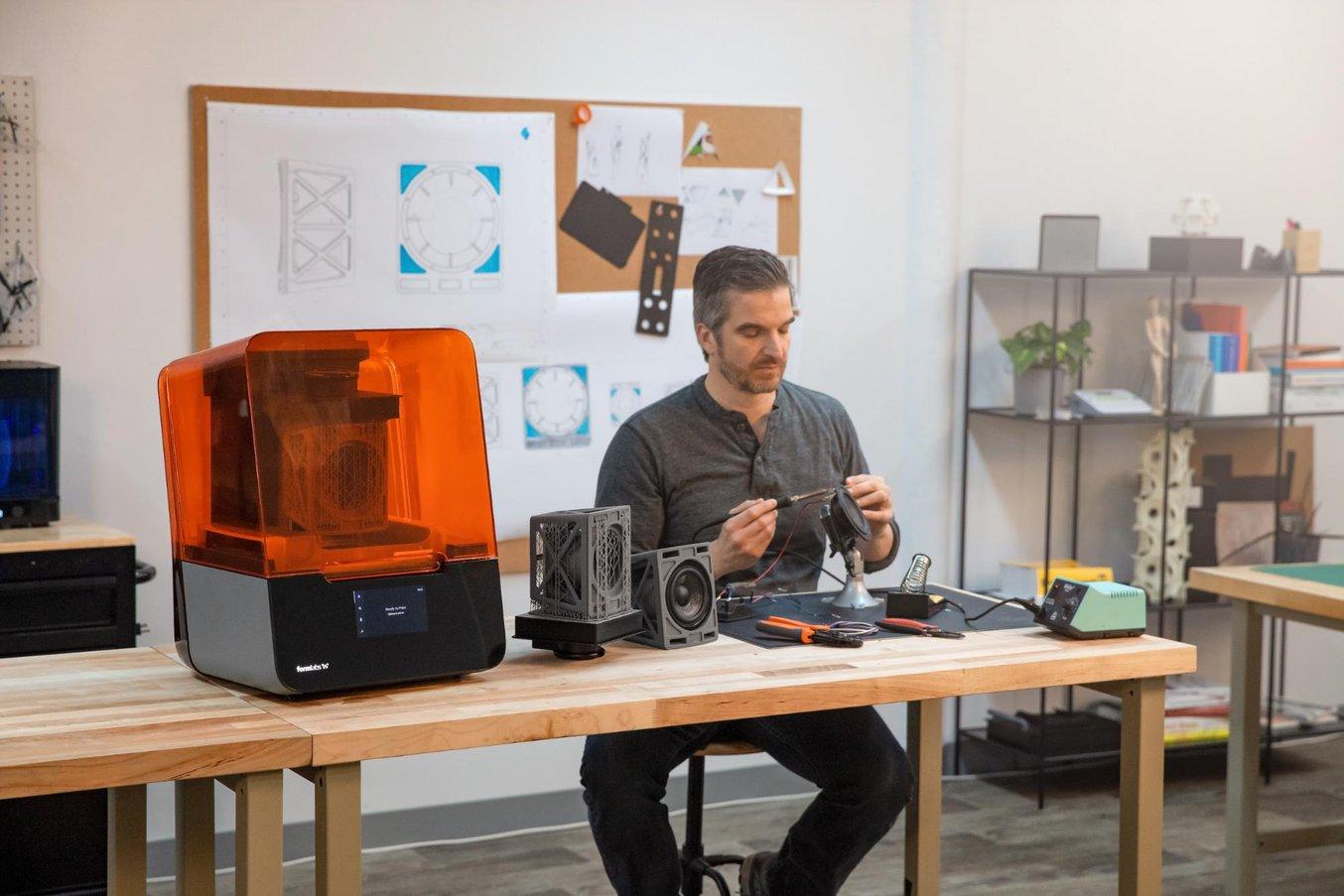 Cómo mantener la productividad con la impresión 3D durante las interrupciones de trabajo
